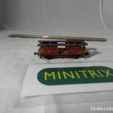 Trenes Escala: VAGÓN PORTACOCHES ESCALA N DE MINITRIX . Lote 198376110