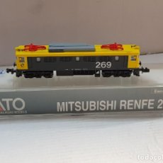 Trenes Escala: LOCOMOTORA KATO MITSUBISHI RENFE 269 ESCALA N SIN USO RARA VERSION EN BLISTER. Lote 205046351