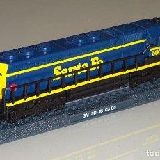 Trenes Escala: MAQUETA MODELO FERROVIARIO. LOCOMOTORA TREN. SANTA FE GM SD-45 CO-CO. ESCALA N. 110 GR. Lote 213783402