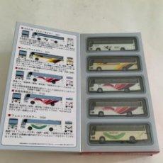 Trenes Escala: TOMYTEC. N. SET CINCO AUTOBUSES. Lote 215180197