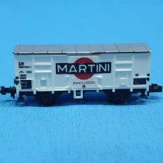 Trenes Escala: VAGÓN CON CONTAINER - MARTINI BIANCO & ROSSO. Lote 219275018