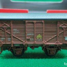 Trenes Escala: KTRAIN 1703-E VAGÓN UNIFICADO CERRADO TIPO J, ROJO ÓXIDO.. Lote 235120255