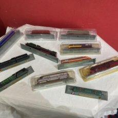 Trenes Escala: LOTE DE 11 LOCOMOTORAS TREN PARA COLECCIONAR . VER FOTOS. Lote 244964535