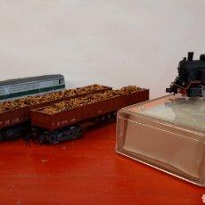 Trains Échelle: DOS LOCOMOTORAS Y DOS VAGONES. Lote 245156020