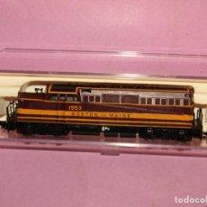 Trenes Escala: LOCOMOTORA DIESEL DE LA CIA. AMERICANA BOSTON AND MAINE ESCALA *N* DE BRAWA LIFE LIKE. Lote 250926130