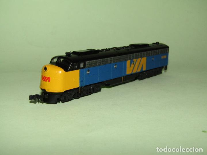 Trenes Escala: Locomotora Diesel E8/9-A de la Cia. VIA Rail Canadá en Esc. *N* de KATO - Foto 2 - 251889640