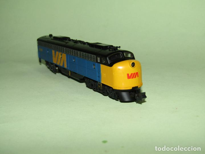 Trenes Escala: Locomotora Diesel E8/9-A de la Cia. VIA Rail Canadá en Esc. *N* de KATO - Foto 3 - 251889640