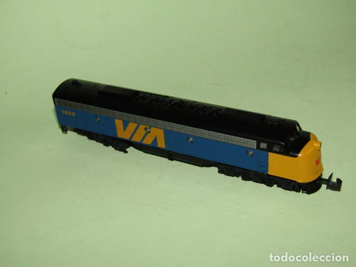 Trenes Escala: Locomotora Diesel E8/9-A de la Cia. VIA Rail Canadá en Esc. *N* de KATO - Foto 4 - 251889640