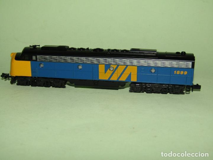 Trenes Escala: Locomotora Diesel E8/9-A de la Cia. VIA Rail Canadá en Esc. *N* de KATO - Foto 5 - 251889640