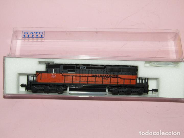 LOCOMOTORA DIESEL 160 TIPO SD40-2 EARLY DE LA CIA. AMERICANA MILWAUKEE ROAD EN ESCALA *N* DE KATO (Juguetes - Trenes Escala N - Otros Trenes Escala N)