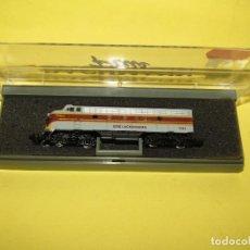 Trenes Escala: LOCOMOTORA DIESEL EMD F7A DE LA CIA. AMERICANA ERIE LACKAWANNA 7131 EN ESCALA *N* DE BACHMANN PLUS. Lote 256663180