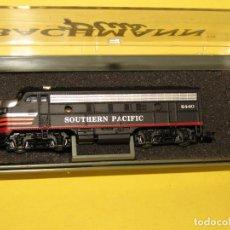Trenes Escala: LOCOMOTORA DIESEL EMD F7A DE CIA. AMERICANA SOUTHERN PACIFIC Nº 6440 EN ESCALA *N* DE BACHMANN PLUS. Lote 256953595
