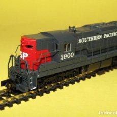 Trenes Escala: LOCOMOTORA DIESEL SD7 DE LA CIA. AMERICANA SOUTHERN PACIFIC EN ESC. *N* DE LIFE-LIKE TRAINS. Lote 257265580