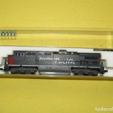 Trenes Escala: LOCOMOTORA DIESEL C44-9W DE LA CIA AMERICANA SOUTHERN PACIFIC SIN Nº EN ESC. *N* DE KATO. Lote 257268885