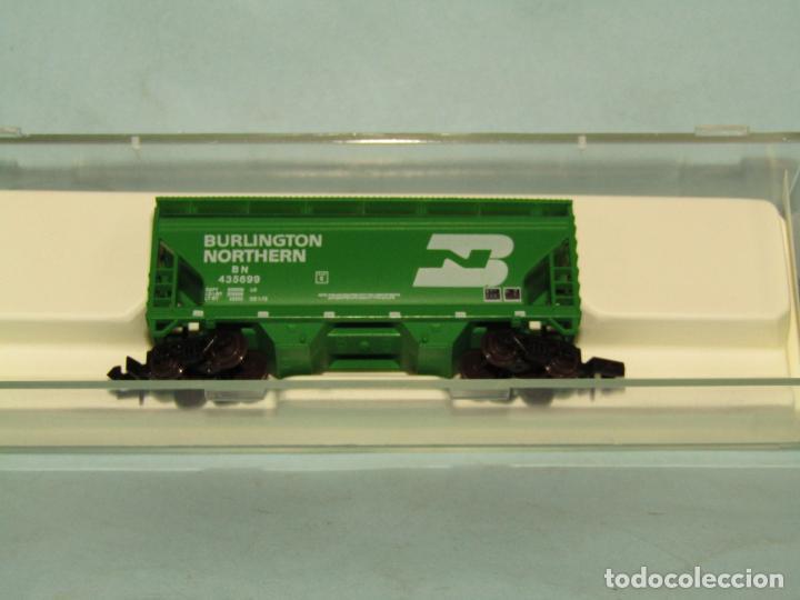 Trenes Escala: Vagón Tolva de la Cia. Americana BURLINGTON NORTHERN en Escala *N* de ATLAS - Foto 2 - 257481985