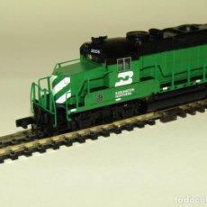 Trenes Escala: LOCOMOTORA DIESEL GP-20 DE LA CIA. AMERICANA BURLINGTON NORTHERN ESCALA *N* DE BRAWA LIFE-LIKE. Lote 258131825