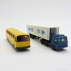 Trenes Escala: WIKING PORTACONTENEDORES Y AUTOBÚS ESCALA 1/160 N (0677). Lote 262392685