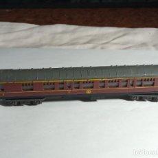 Trenes Escala: VAGÓN PASAJEROS BRITANICO ESCALA N DE MINITRIX. Lote 262454800