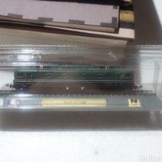 Trenes Escala: LOCOMOTORA ESTÁTICA SNCF CC 7100 FRANCIA EDICIONES DEL PRADO EN BLISTER. Lote 279436903