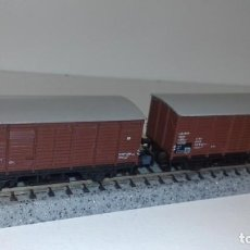 Trenes Escala: MINITRIX N 2 VAGONES CERRADOS -- L50-055 (CON COMPRA DE 5 LOTES O MAS, ENVÍO GRATIS). Lote 280705958