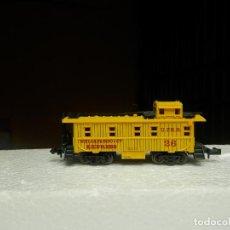 Trenes Escala: VAGÓN FURGON ESCALA N DE ATLAS. Lote 293979153