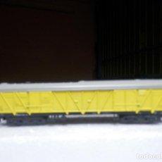 Trenes Escala: VAGÓN CERRADO BOGIES ESCALA N DE MINITRIX. Lote 293979663