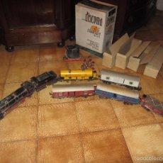 Trenes Escala: TREN LOCOMOTORA PAYÁ SANTA FÉ 1101 CON VAGONES. Lote 47056964