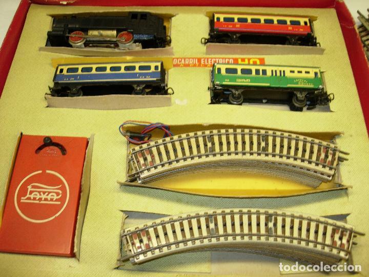 Trenes Escala: Circuito tren PAYA H0 Locomotora, 3 vagones, pasajeros, Correos + cisterna CAMPSA RENFE y vías extra - Foto 5 - 70102858
