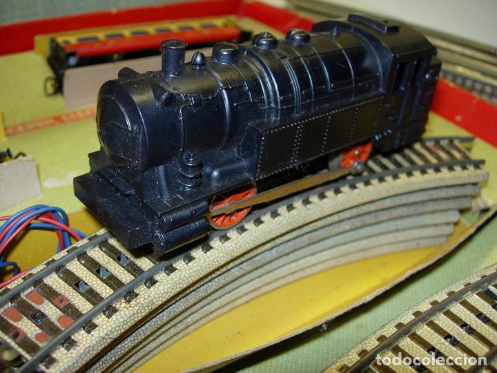 Trenes Escala: Circuito tren PAYA H0 Locomotora, 3 vagones, pasajeros, Correos + cisterna CAMPSA RENFE y vías extra - Foto 6 - 70102858
