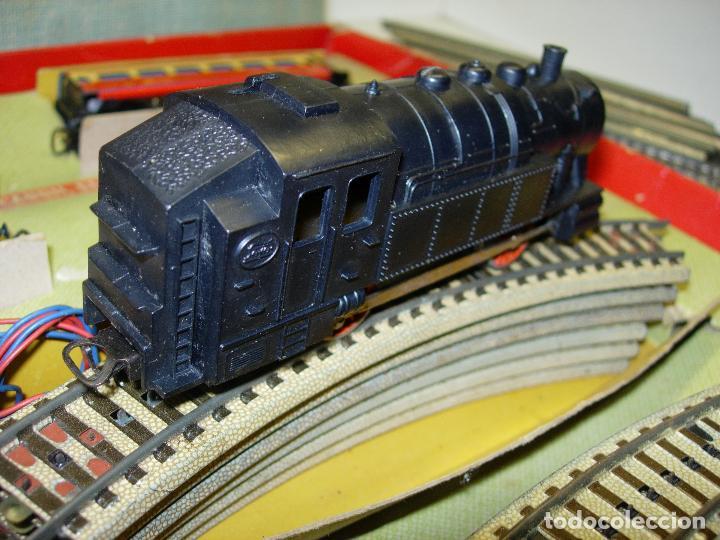 Trenes Escala: Circuito tren PAYA H0 Locomotora, 3 vagones, pasajeros, Correos + cisterna CAMPSA RENFE y vías extra - Foto 7 - 70102858