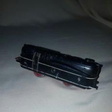 Trenes Escala: LOCOMOTORA A CUERDA, TREN PAYA. LE FALTA UNA RUEDA. LLAVE NO INCLUIDA. CREO QUE FUNCIONA.. Lote 84689398