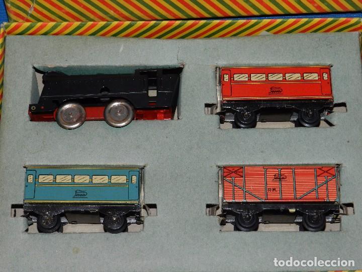 Trenes Escala: (M) CAJA TREN PAYA COMPLETA , TREN Y VAGONES DE HOJALATA , RUEDAS DE PLASTICO, AÑOS 50 , BUEN ESTADO - Foto 2 - 85745780
