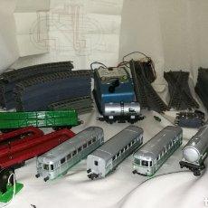Trenes Escala: TREN PAYA FERROBUS . EL ABUELO . RENFE . 1955 . ESCALA H0 . VER Y LEER .. Lote 110584576