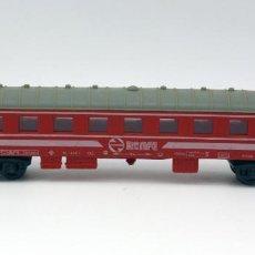 Trenes Escala: VAGON PASAJEROS RENFE - PAYA - MADE IN SPAIN - ESCALA H0 - COLOR ROJO. Lote 115573279
