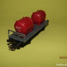 Trenes Escala: ANTIGUO VAGÓN MERCANCIAS CISTERNAS R. N. EN ESCALA *H0* DE JUGUETES PAYÁ. Lote 146989286