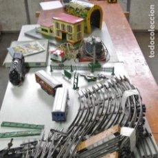 Trenes Escala: LOTE DE DIFERENTES ELEMENTOS. TREN PAYA. VIAS, TRENES, ESTACION, TUNEL..... Lote 151541134