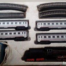 Trenes Escala: TREN ELÉCTRICO H0, PAYÁ 1632 PACIFIC COMPLETO EN BUEN ESTADO CON 2 TRANSFORMADORES. Lote 156581174