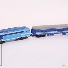Trenes Escala: LOCOMOTORA ELÉCTRICA SNCB 67000 Y VAGÓN DE TREN RENFE 5613 DE PAYÁ - AZUL - ESCALA H0 / HO. Lote 172682877