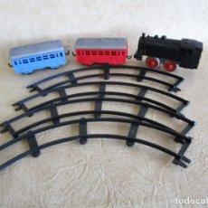 Trenes Escala: ANTIGUO TREN CON VAGONES Y VIAS PAYA. Lote 43531568