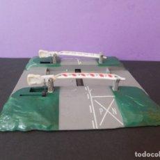 Trenes Escala: PASO A NIVEL PAYA Nº 5851 BARRERAS. Lote 178813633