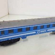 Trenes Escala: RENFE ESCALA H0 VAGÓN DE PRIMERA CLASE AZUL DE 23 CM MARCA PAYA. Lote 184451520