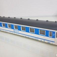 Comboios Escala: COCHE DE PASAJERO SEGUNDA CLASE RENFE PAYA SIN BOGES ESCALA H0 CONTINUA DE 21CMS. Lote 184452717