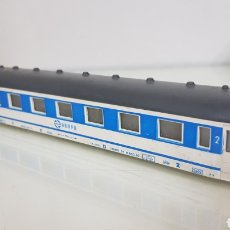 Trenes Escala: COCHE DE PASAJERO SEGUNDA CLASE RENFE PAYA SIN BOGES ESCALA H0 CONTINUA DE 21CMS. Lote 184452717