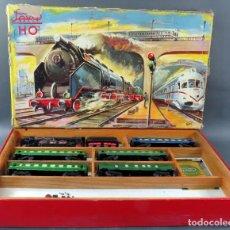Trenes Escala: TREN PAYÁ PACIFIC H0 1632 LOCOMOTORA TENDER 4 VAGONES Y FURGÓN CORREO CORRIENTE ALTERNA CON CAJA. Lote 189088135