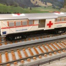 Trenes Escala: PAYÁ ESCALA S MERCANCÍAS 4 EJES DE CRUZ ROJA, BLANCO Y ROJO VIVO. Lote 201107305