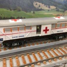 Trenes Escala: PAYÁ ESCALA S MERCANCÍAS 4 EJES DE CRUZ ROJA, BLANCO Y ROJO OSCURO. Lote 201107592