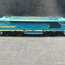 Comboios Escala: LOCOMOTORA PAYA SNCF 67000 INSTALACION LUZ INTERIOR FALTA BORNE 5X22X4CM. Lote 218915103