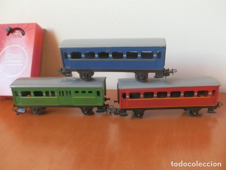 Trenes Escala: TREN PAYA: LOCOMOTORA 840, 2 VAGONES DE PASAJEROS, 1 DE CORREOS, POTENCIÓMETRO, 2 RECTAS, 8 CURVAS. - Foto 10 - 236599210