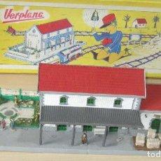Trenes Escala: VERPLANA ( VERDU,IBI) ESTACION PARA FERROCARRILES HO,REF 32 CON CAJA Y COMPLEMENTOS. Lote 246723085