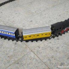 Trenes Escala: HUMOTREN PAYÁ. TREN HOJALATA Y PLÁSTICO. CON VÍAS. AÑOS 70. Lote 247416580